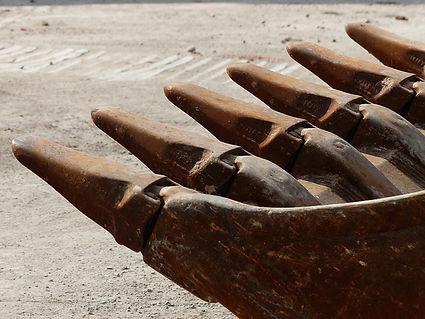 excavator-buckets-167744_640.jpg