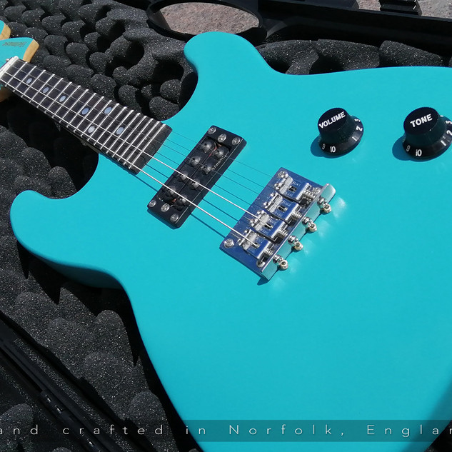Belmuse Cherry 4 String Turquoise