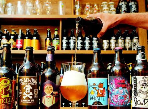 Dicas de cervejas modernas para tomar em um churrasco