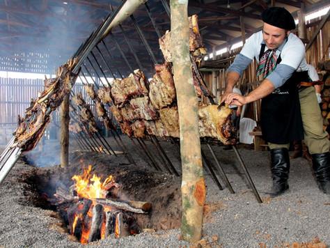 Churrasco de chão: tradição que se mantém no Rio Grande do Sul