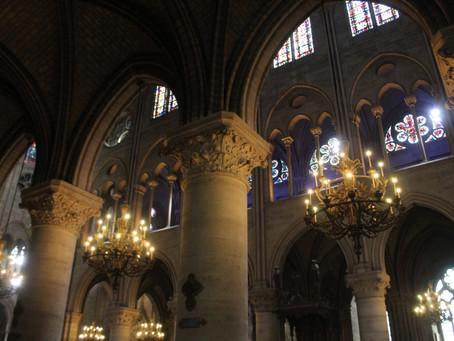 Остававшиеся в Нотр-Даме картины эвакуируют из собора