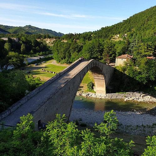 Il Ponte degli Alidosi, Castiglioncello e la Cascata di Moraduccio