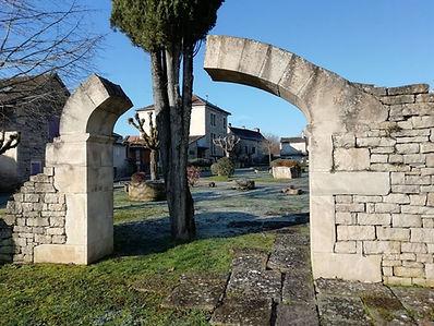 monuments_aux_morts_arrière.jpg