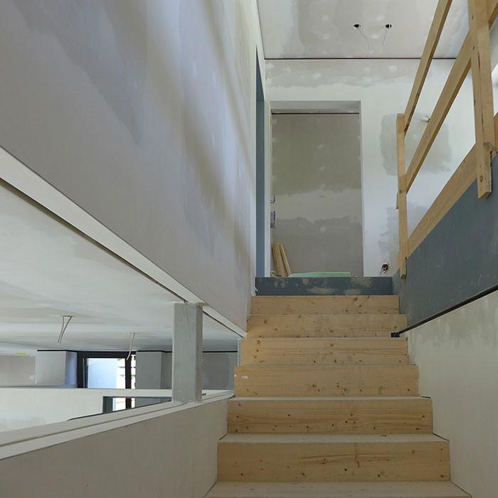 Massive Treppe im Holzbau