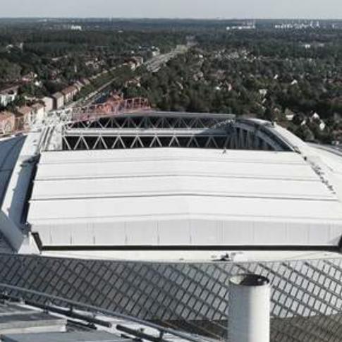 Reparasjon av PVC tak på Tele2 arena. Arenaslingan 7, Stockholm, Sverige