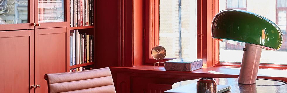 04-pure_original-brownred-walls-window-b