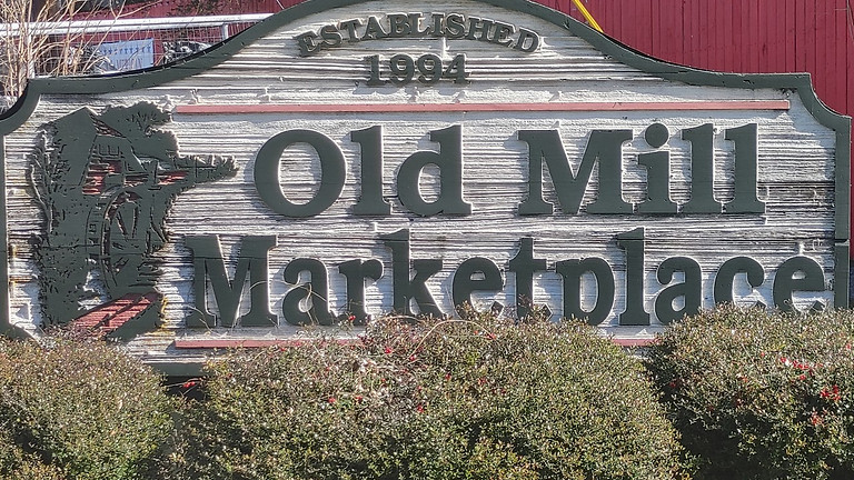 Old Mill Marketplace on First Monday (1)