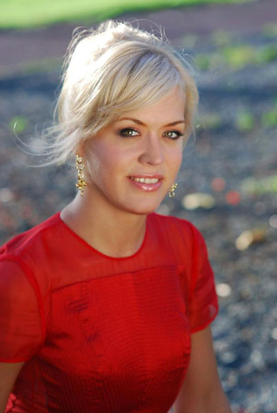 head shot w red dress  olga-kern-fernand
