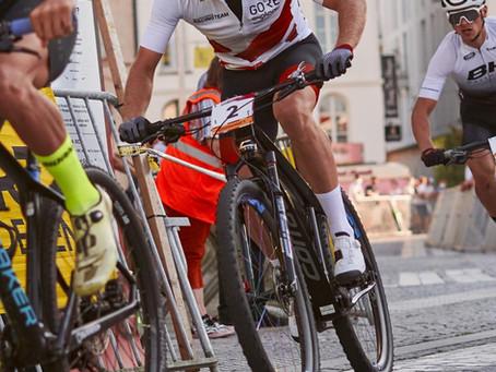 Simon Gegenheimer verteidigt die Führung im Mountainbike Weltcup