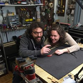 Alex Glasser & Mamie Minch, luthier visit!