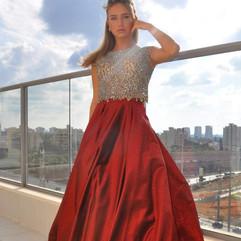 שמלת ערב אדומה שנח חלקים