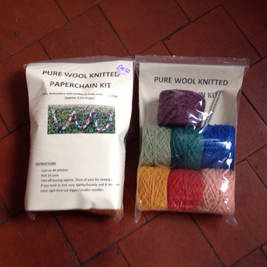 Knit your own paperchain (or ask someone to knit it for you). Very simplest knitting, everything included. Makes at least 250cm.