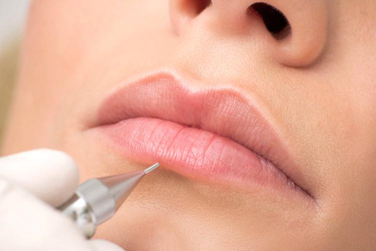 Lip-tattooing.jpg