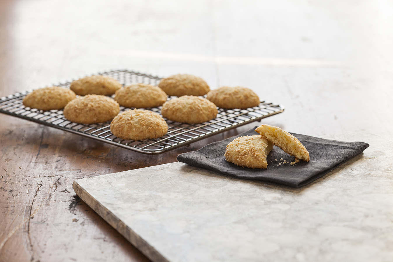 5J78638_Chewy LemonGingerCoconutCookies-1057_r1