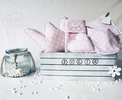 En esta ocasión la tía de Julia nos pidió una cesta de detalles muuuy dulces para su sobrina en cami