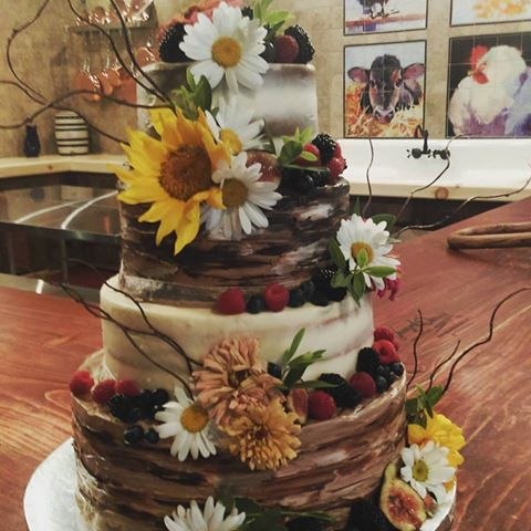 Rustic Wedding Cake Fort Wayne
