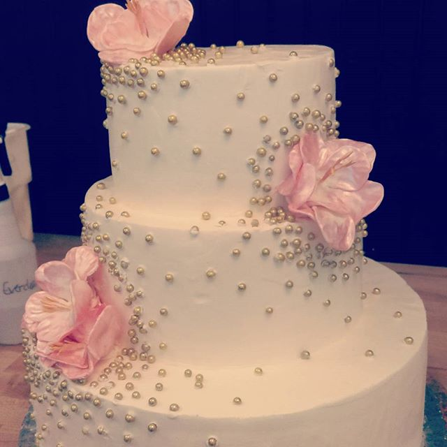 Contemporary Wedding Cake Fort Wayne