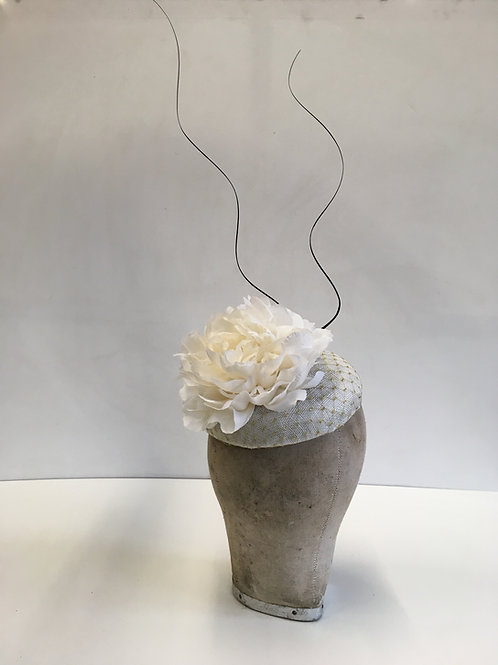 Striking Beautiful White and Gold Veiling Button Base with White Roses and Curly