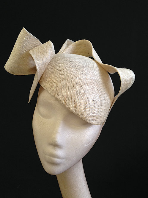 Ivory & Gold Bow Beret