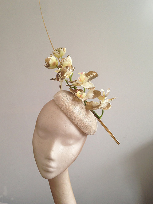 Ivory Gold Orchid Beret