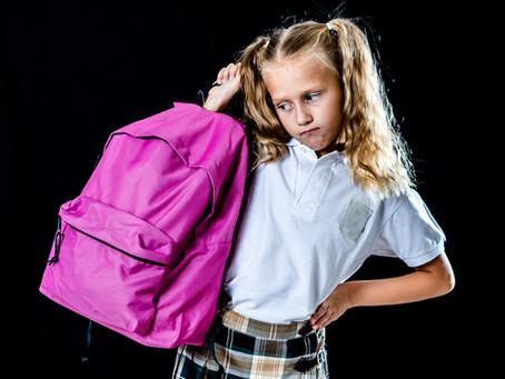 Schultaschen, warum müssen die so schwer sein ?