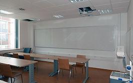 Máme za sebou realizace a technické vybavení celé řady vysokoškolských učeben i poslucháren...