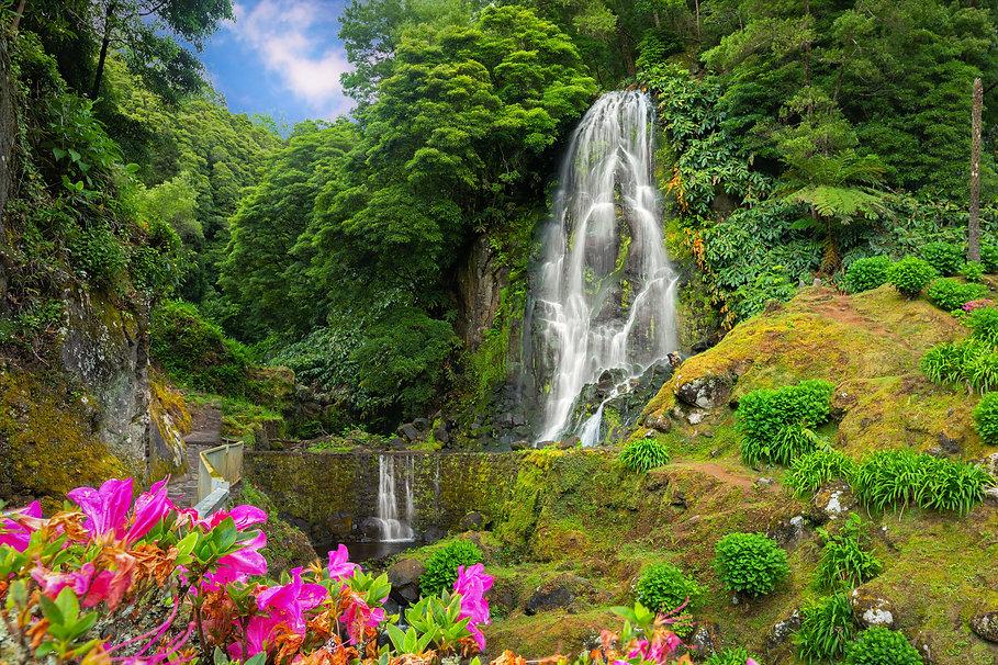 bigstock-Veu-Da-Noiva-Waterfall-Sao-Mi-2