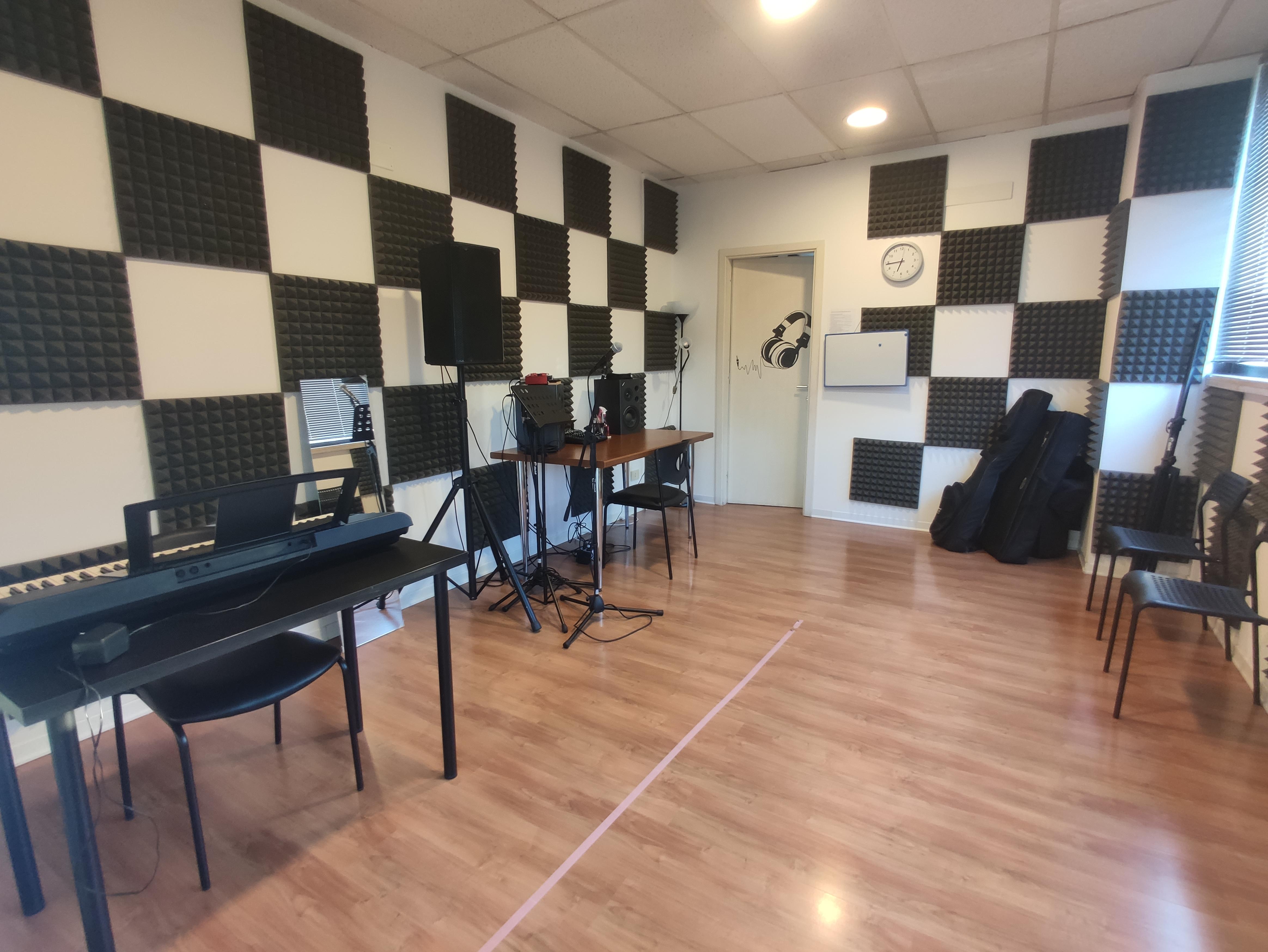 STUDIO 1 - MUSICA