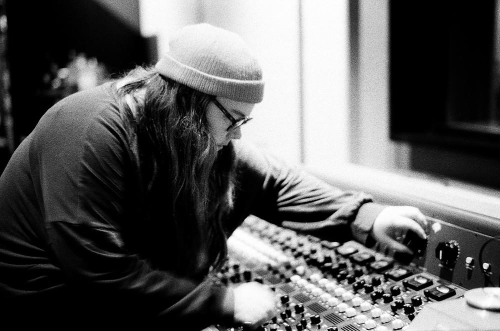 Emma-Jean Thackray mixing in the Artone Studios - Credit: Elaine Groenestein
