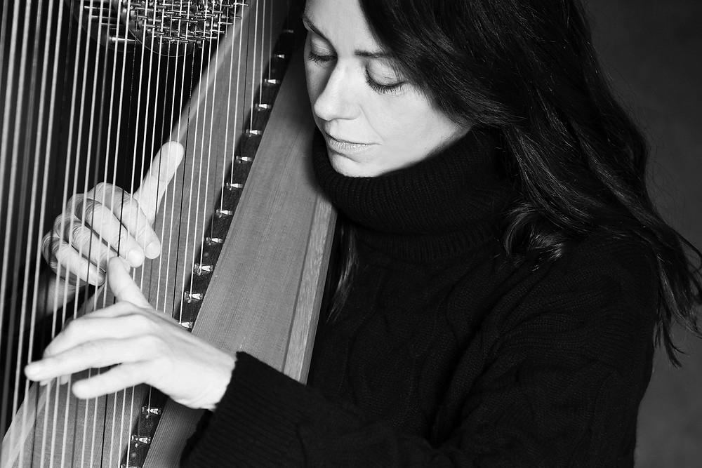 Amanda Whiting playing harp