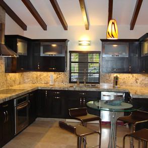Beautiful-Granite-Kitchen-Countertop3.jp
