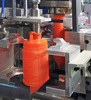 production-of-plastic-cans-8UQMV2L.jpg