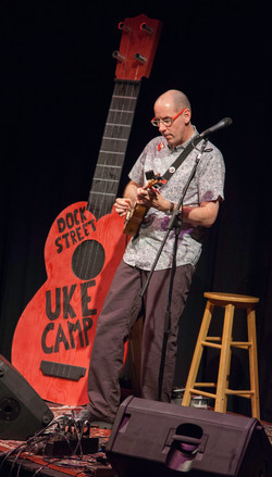 Mike Diabo performs