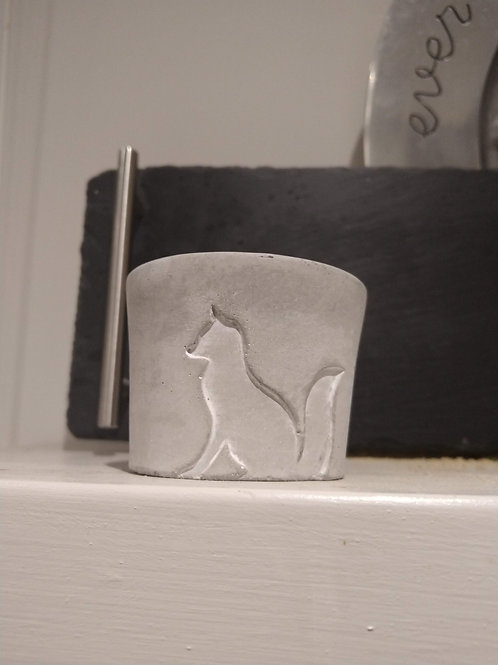 Winter thyme fox candle