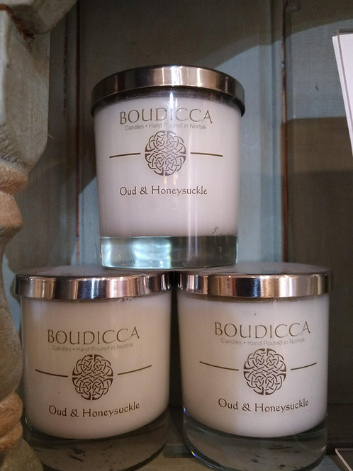 Oud and Honeysuckle candle