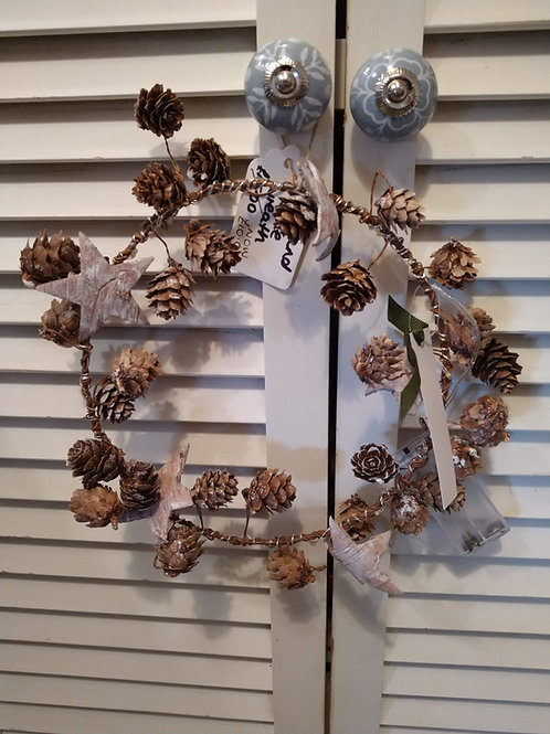 cone and star wreath