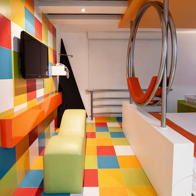 poplifehotel52.jpg