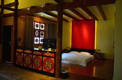 藏式木楼大床套房1