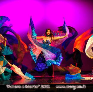 Danza del Vente Ali di Iside e Fan Veils