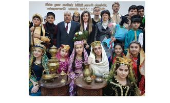 В бакинских школах в рамках проекта «Книги и писатели – юбиляры 2017 года» были проведены литературн