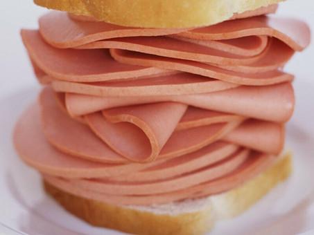 Порезать или нарезать хлеб, колбасу: как правильно говорить?