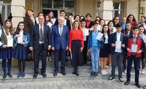В Азербайджане прошли очередные три региональных тура Олимпиады по русскому языку. Фоторепортаж