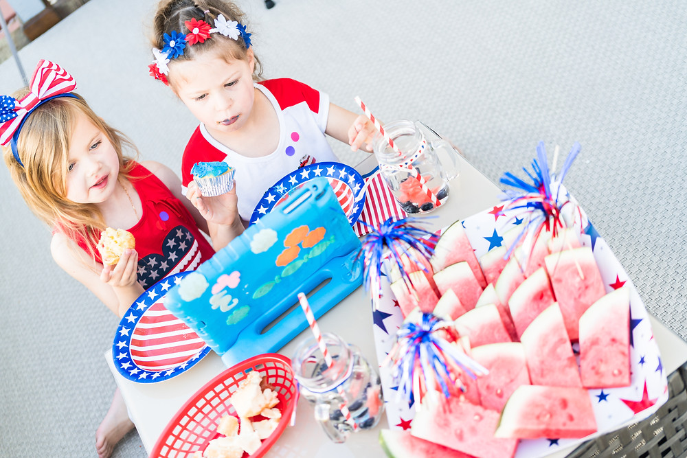 Fourth of July Social Distancing / Fourth of July Facebook Page Ideas / Fourth of July Party Ideas / Fourth of July / Patriotic Party Ideas