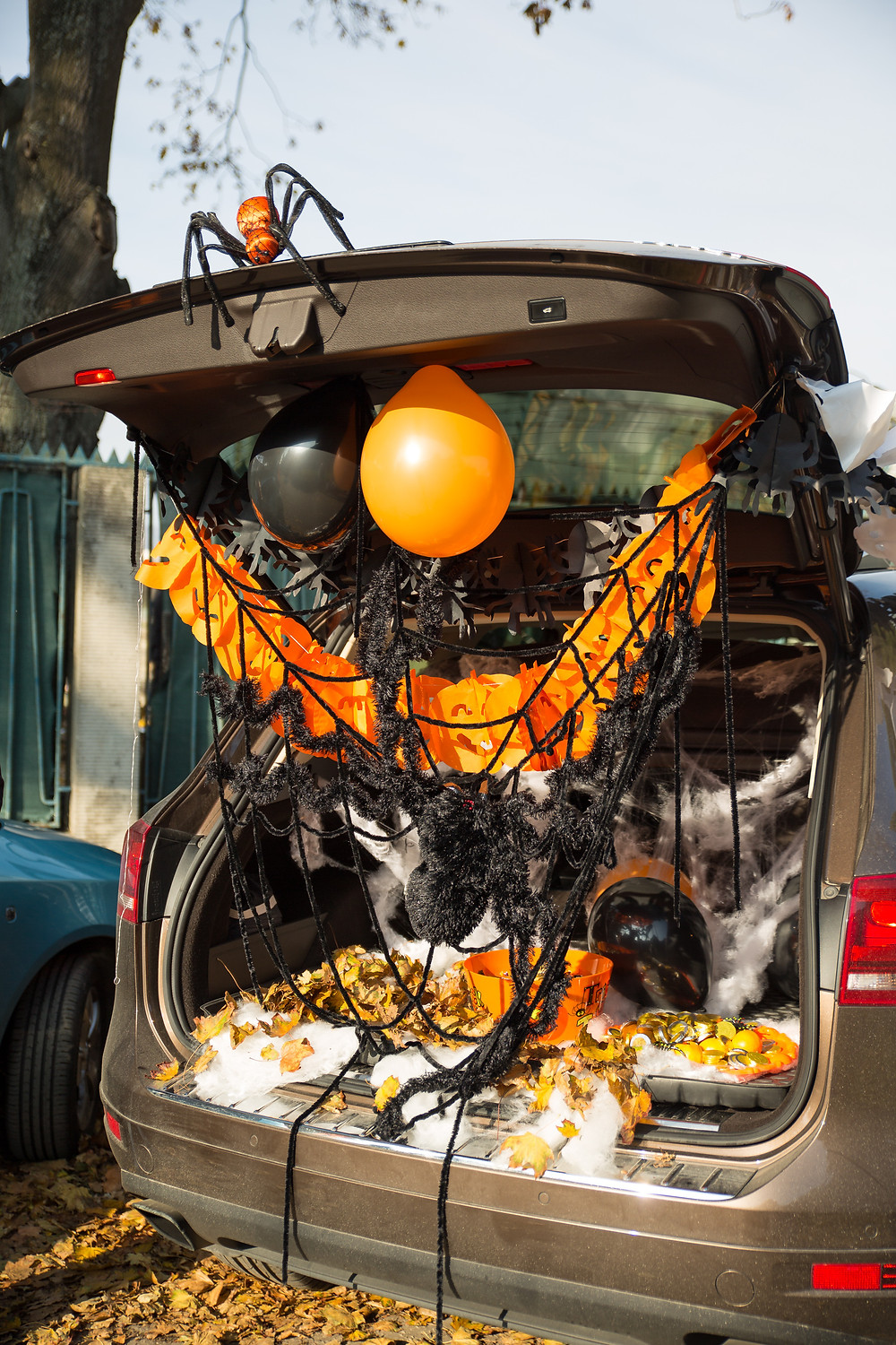 Trunk or Treat / Low Contact Halloween / Halloween Quarantine / Halloween Ideas for Kids / Halloween Party