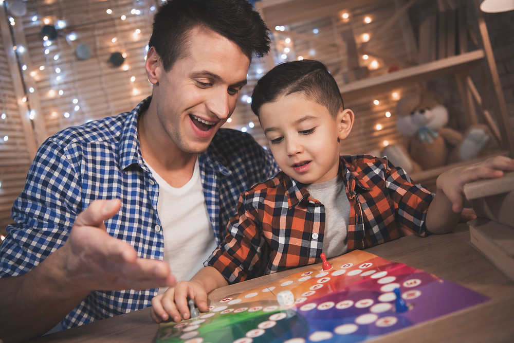 Board Games / Family Game Night / Fathers Day Games / Fathers Day Ideas / Fathers Day Party / Games with Dad / Dads Day /