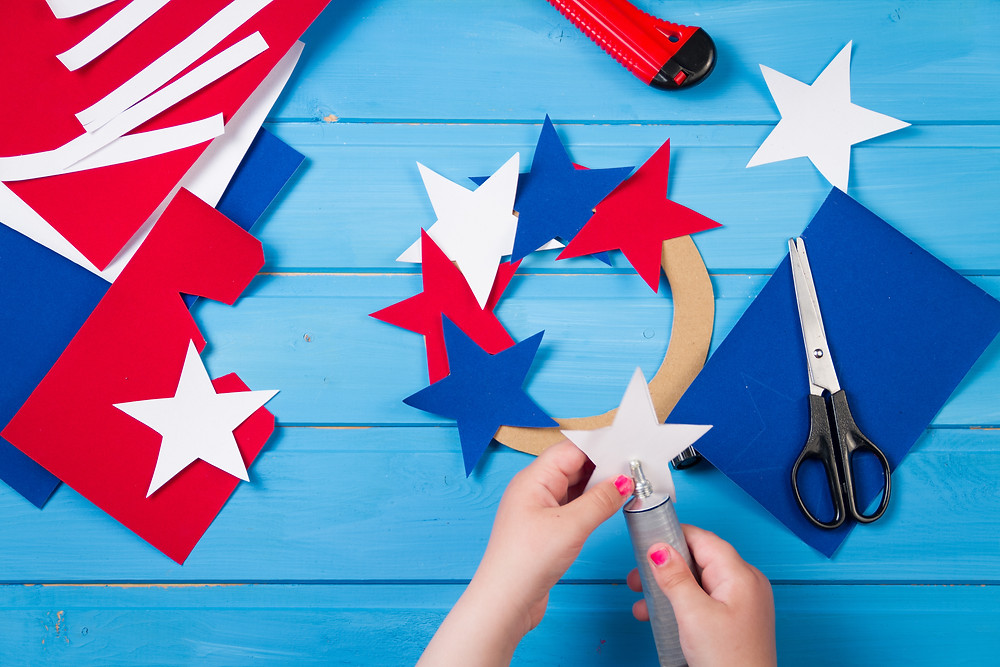 Fourth of July Crafts for kids / Fourth of July Crafts / Uncle Sams Hat / Patriotic Wreath / Fourth of July DIY