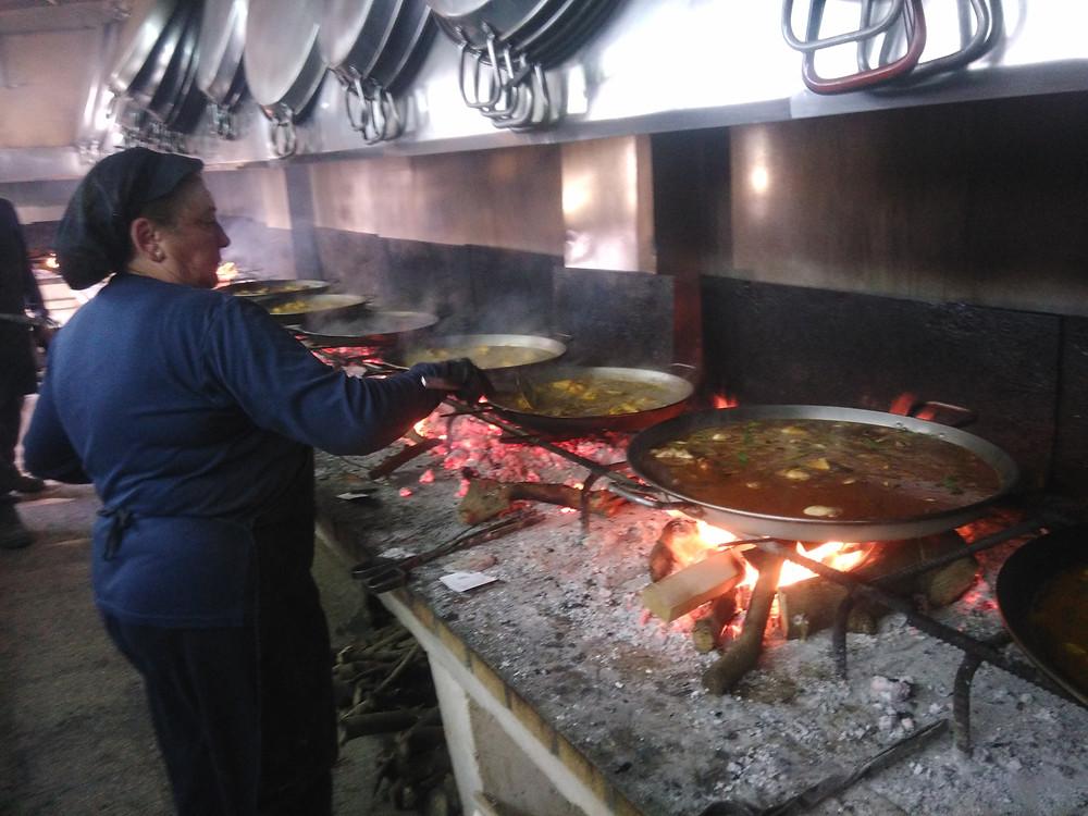 האחראית על הפאייות בקורס בישול פרטי בולנסיה