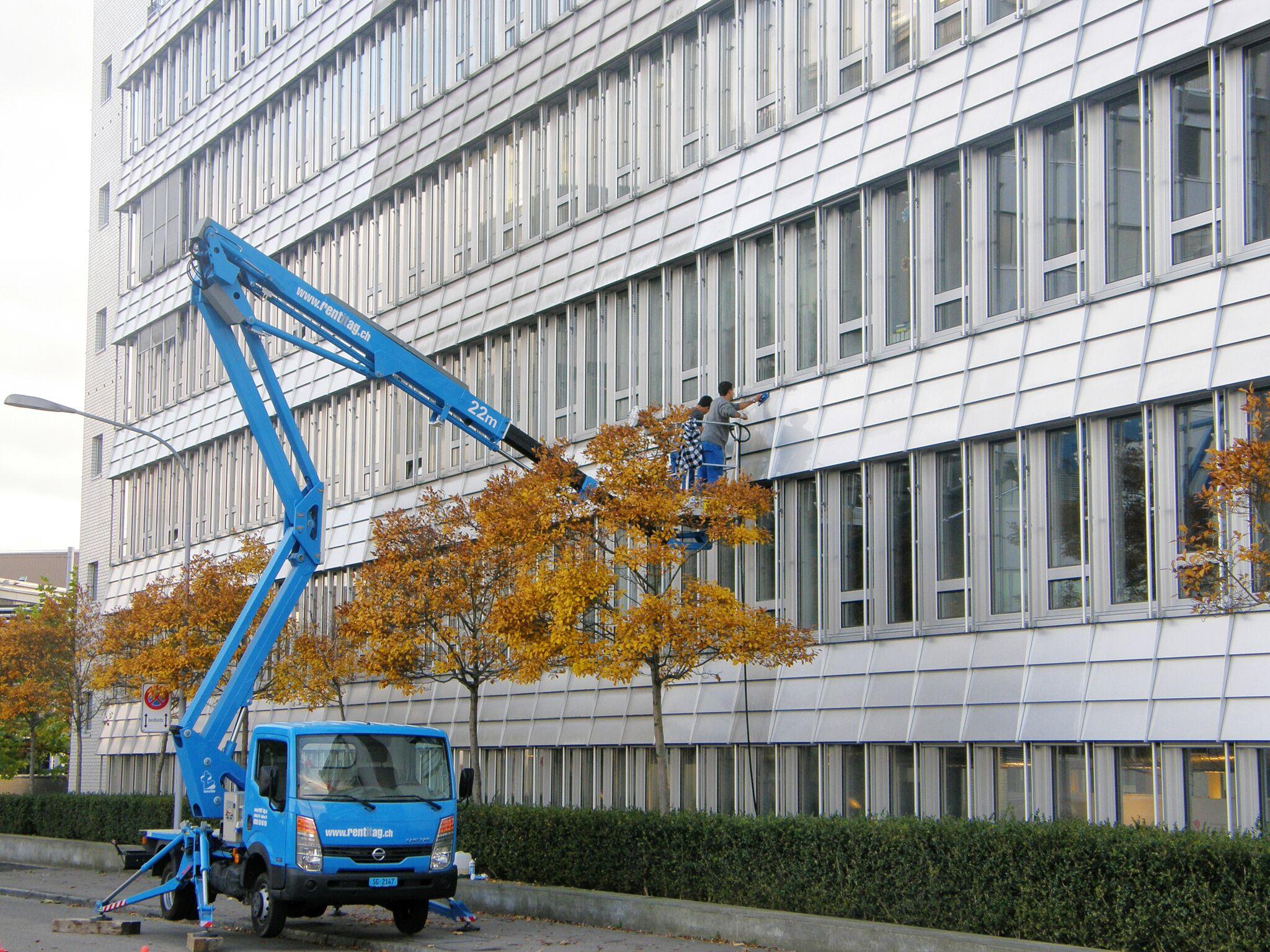 Fassadenpflege Metallfassade