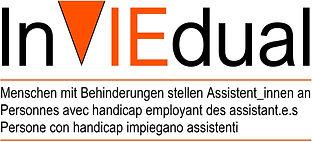 Inviedual - Menschen mit Behinderungen stellen AssistentInnen an (d/f/i); V in Form eines orangen Dreiecks auf den Spitz gestellt. Vor und nach Claim ein oranger Strich. – Zurück zur Startseite.