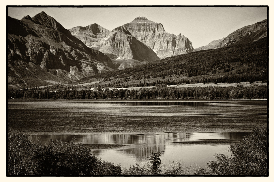 GNP Mountain Lake.jpg